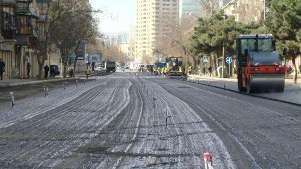 В центре Баку ограничат движение транспорта