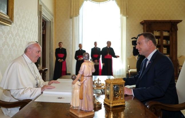 Анджей Дуда пригласил Папу Римского в следующем году в Польшу