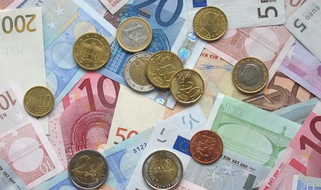 Польща отримуватиме з ЄС менше коштів