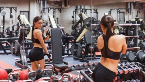 10 курьезных привычек, которые могут раздражать других в тренажерном зале