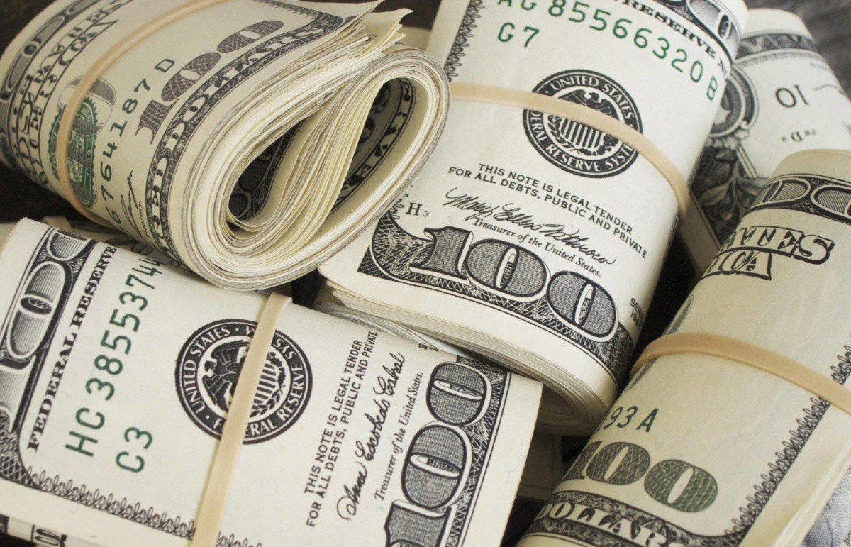 Межбанк открылся долларом по 27,03-27,06 грн, евро – по 33,29-33,32 грн