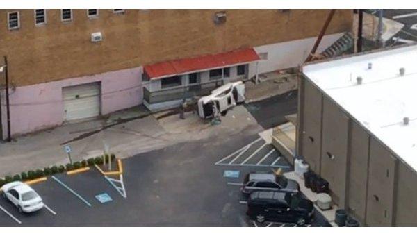 Авто врезалось в людей, наблюдающих за затмением в США, есть жертвы