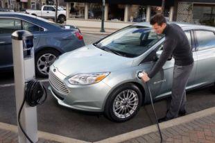 В Украине продажи электромобилей за год выросли вдвое
