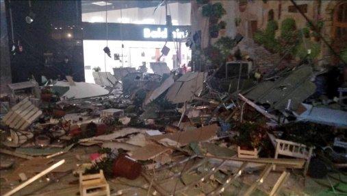 В торговом центре в Минске обвалился потолок, есть пострадавшая: фото