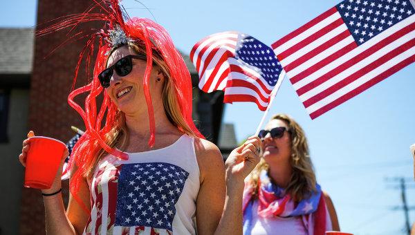 Большинство женщин в США подвергались домогательствам - опрос
