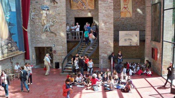 В Каталонии раскопают могилу Сальвадора Дали