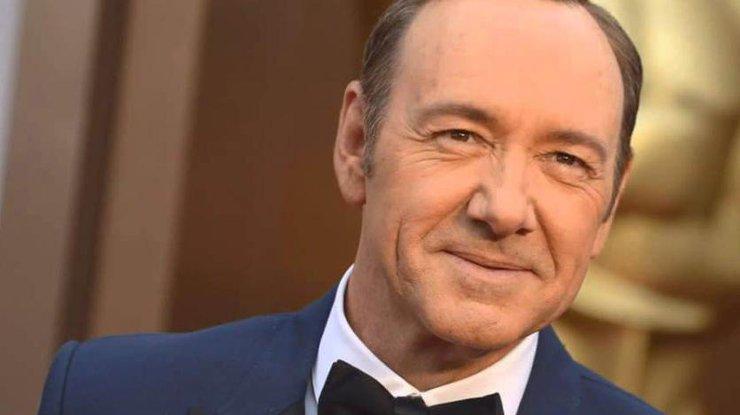 Обвиненный в изнасилованиях актер вернулся в большое кино
