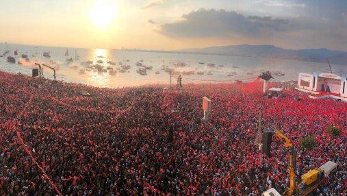Выборы в Турции: миллионы людей вышли на митинг за главного соперника Эрдогана
