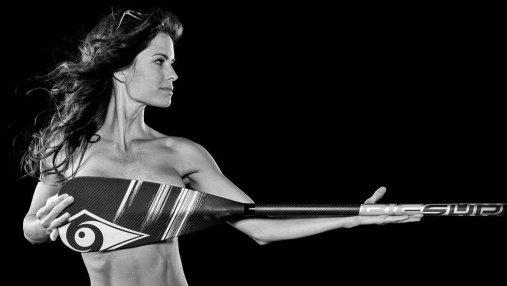 Красота женского тела: фотограф показал рельефы обнаженных спортсменок (18+)
