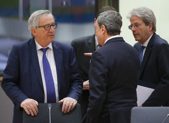 Группа евродепутатов раскритиковала Юнкера за уход от темы аннексии Крыма