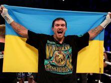 Усик защитил чемпионские титулы