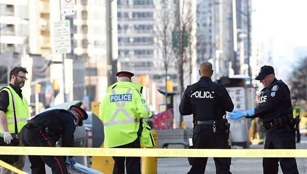 Водитель в Торонто наехал на людей намеренно - полиция