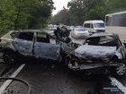 Три автомобілі зіткнулися й загорілися на Старообухівській трасі в Києві, загинула сім'я з 3 осіб, - Нацполіція. ФОТО