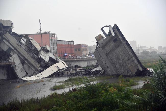 Число смертельных жертв обрушения моста в Генуе возросло до 40 человек