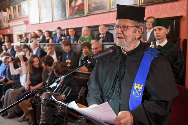 US philanthropist honoured in Krakow
