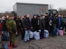 Самый крупный обмен заложниками на Донбассе прошел 27 декабря 2017 года