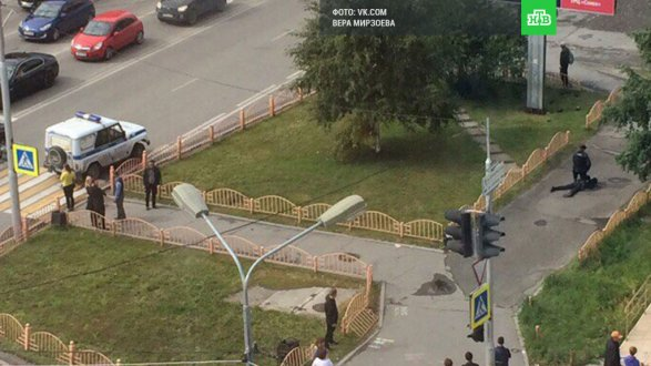 Неизвестные устроили резню в центре Сургута Есть погибшие и раненые