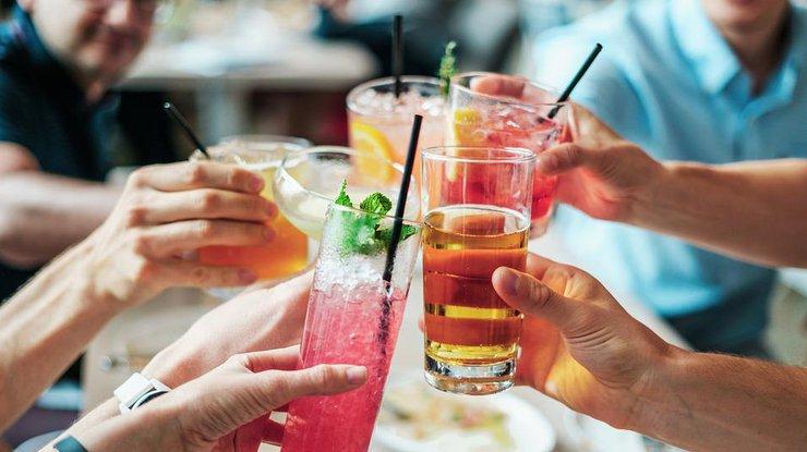 Алкоголь и старение: ученые назвали связь