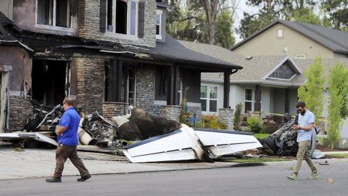 В США пилот направил самолет в собственный дом, где находилась его семья: есть жертвы