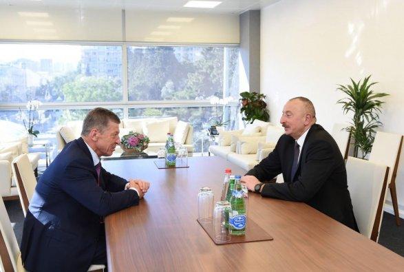 Вице-премьер России на переговорах с Ильхамом Алиевым фото
