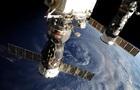 Роскосмос нашел след США. Кто проткнул Союз на МКС