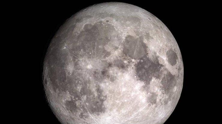 На Луне нашли достаточно воды для поселения там человека