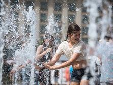 В Украину еще вернется жара