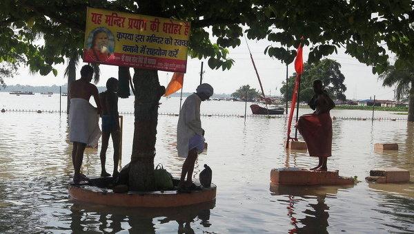 В Индии резко возросло число жертв наводнений