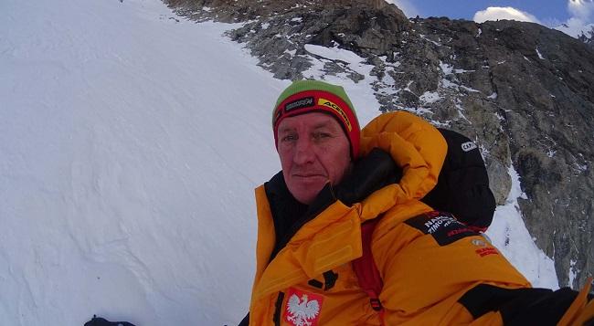 Денис Урубко начал самостоятельное восхождение на вершину К2