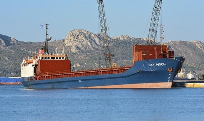 Судно «Sky Moon», конфискованное за посещение порта в Крыму, передадут ВМС Украины