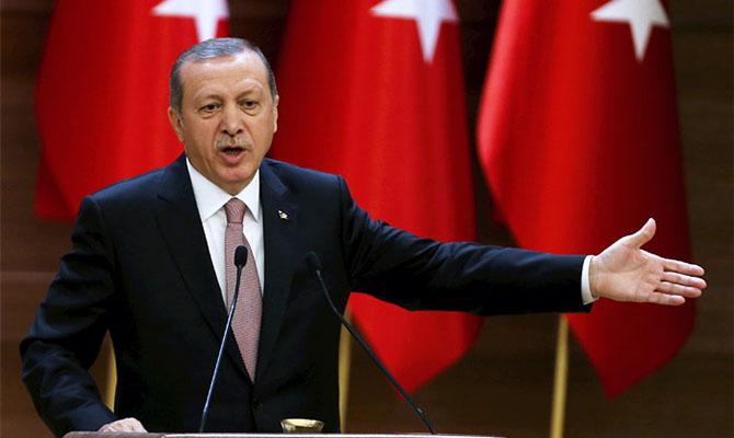 Эрдоган заявил, что не уступит давлению США