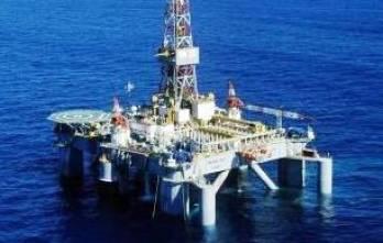 Цены на нефть умеренно растут в ожидании данных о запасах