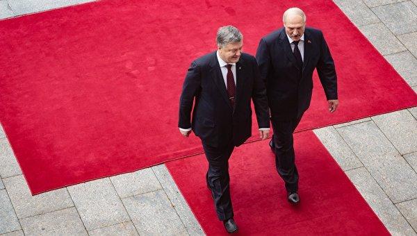 Порошенко: Украина готова снова поставлять электроэнергию в Беларусь