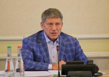 Выигравший конкурс на главу ГИЯРУ руководитель атомного департамента Минэнергоугля Г.Плачков передает дела своему заместителю