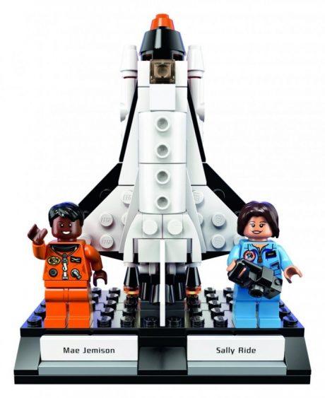 LEGO создали фигурки лучших работниц NASA