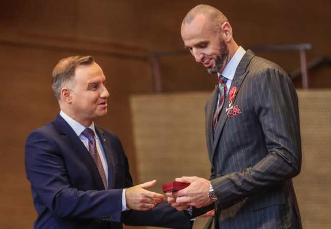 Basketball camps for young Poles courtesy of NBA's Gortat
