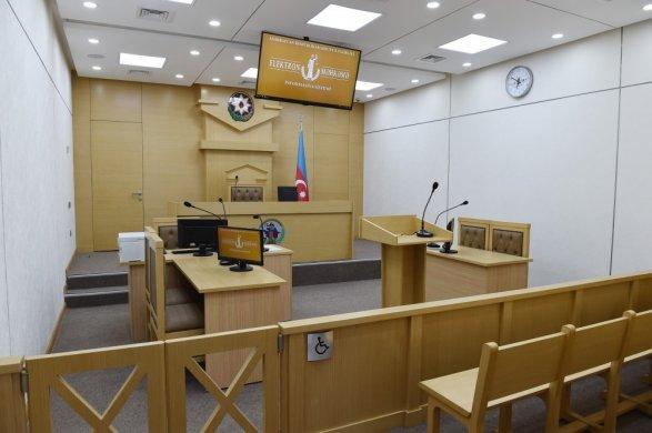Двое гюленистов исчезли в зале суда в Баку