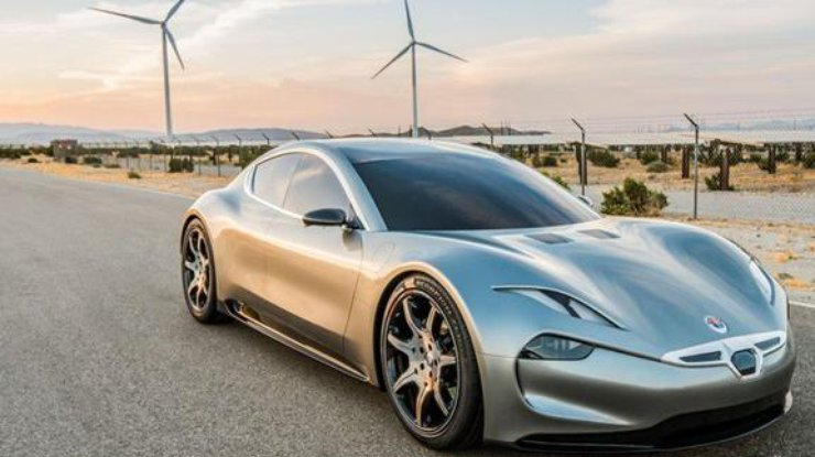 Новый конкурент Tesla будет заряжать электрокар за минуту