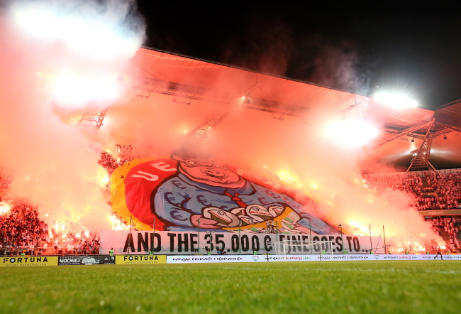 Legia fans respond to fine with another provocative banner