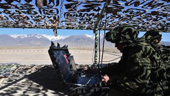 Россия повышает боеготовность своих баз в Таджикистане и Киргизии