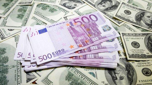 Готівковий курс валют 13 серпня: євро впав, долар невпинно росте