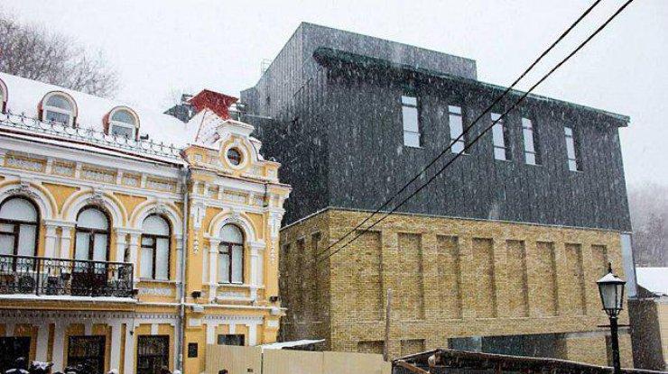 СМИ раскрыли схему продажи билетов в Театре на Подоле по завышенным ценам