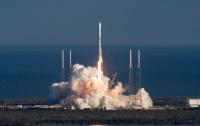SpaceX запустила первые спутники глобального интернета