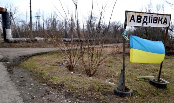 Президент в Авдеевке провел совещание по ситуации на фронте