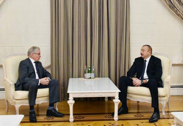 Экс-глава ПАСЕ на переговорах с президентом Ильхамом Алиевым фото