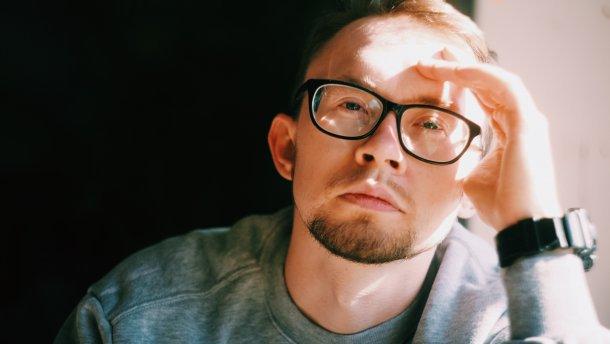 Український репер Freel випустив провокативний кліп Шо там у хохлов про російські фейки