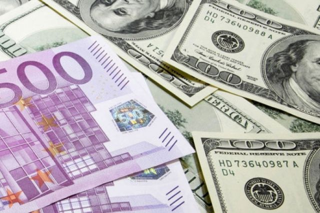Курс валют на 24 января: доллар подешевел, а евро - вырос в цене