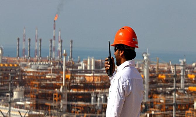 США введут санкции против всех стран, которые продолжат покупать нефть у Ирана