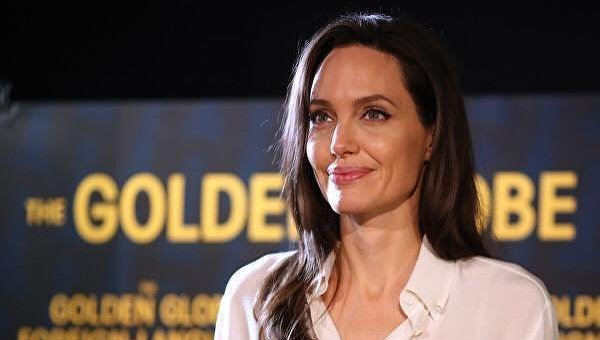 Критическое состояние. СМИ сообщили о госпитализации Джоли