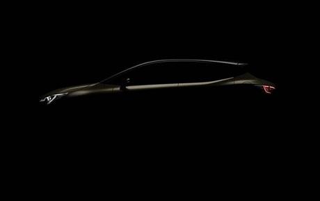Toyota опубликовала изображение обновленной модели Corolla (ФОТО)
